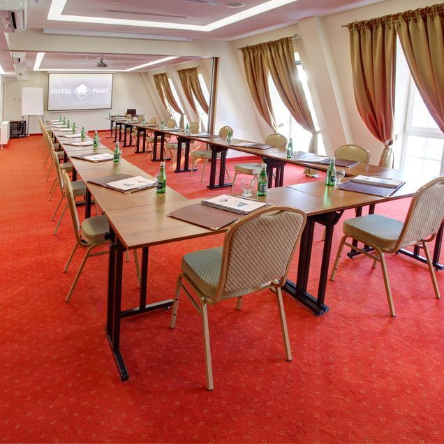 Hotel Piast Conference Room #silfor #siecsilfor #silforpolskiehotele #hotele…