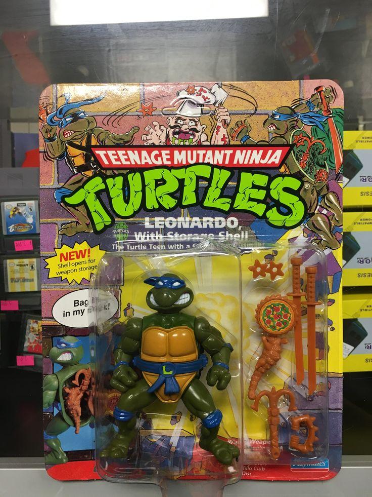 Playmates Teenage Mutant Ninja Turtles Leonardo w/ storage shell figure