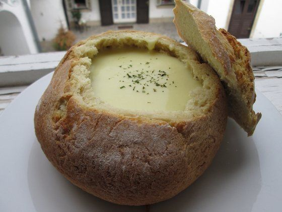 Egy igazi 15 perces, gyors és brutálisan jó leves, ami főételként is kitölti a pocakodat. ...