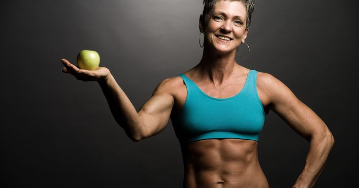 Testosterona C vs. testosterona E. La testosterona es una hormona que suele asociarse con el desarrollo sexual masculino. Los suplementos de testosterona se prescriben para hombres o mujeres con niveles insuficientes. También se usan en el proceso de reasignación de sexo femenino a masculino. Algunos culturistas y atletas creen que ayuda a su rendimiento.