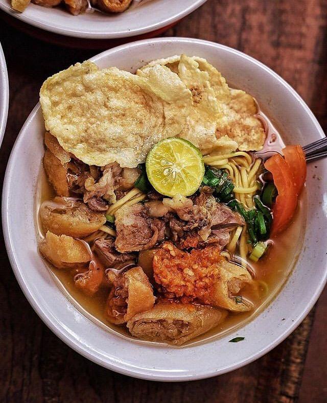 Rekomendasi Wisata Kuliner Makanan Khas Bogor Soto Mie Mang