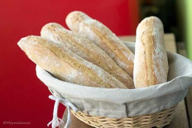 Barritas de pan casero.