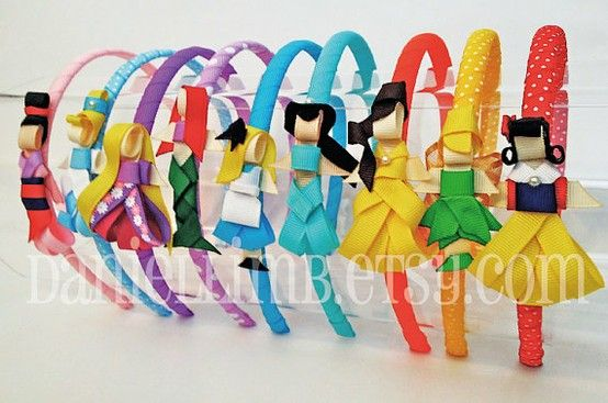 DIY links to Disney Princess grosgrain headbands.. TOO CUTE!!!  (would make great gifts for the little girls in your life .... if they liked the princesses)