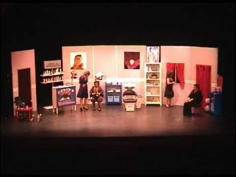"""Fragmentos de la obra de teatro """"Magnolias de acero"""" interpretada por el grupo Carafur teatro de Elche, Alicante, en 2006."""