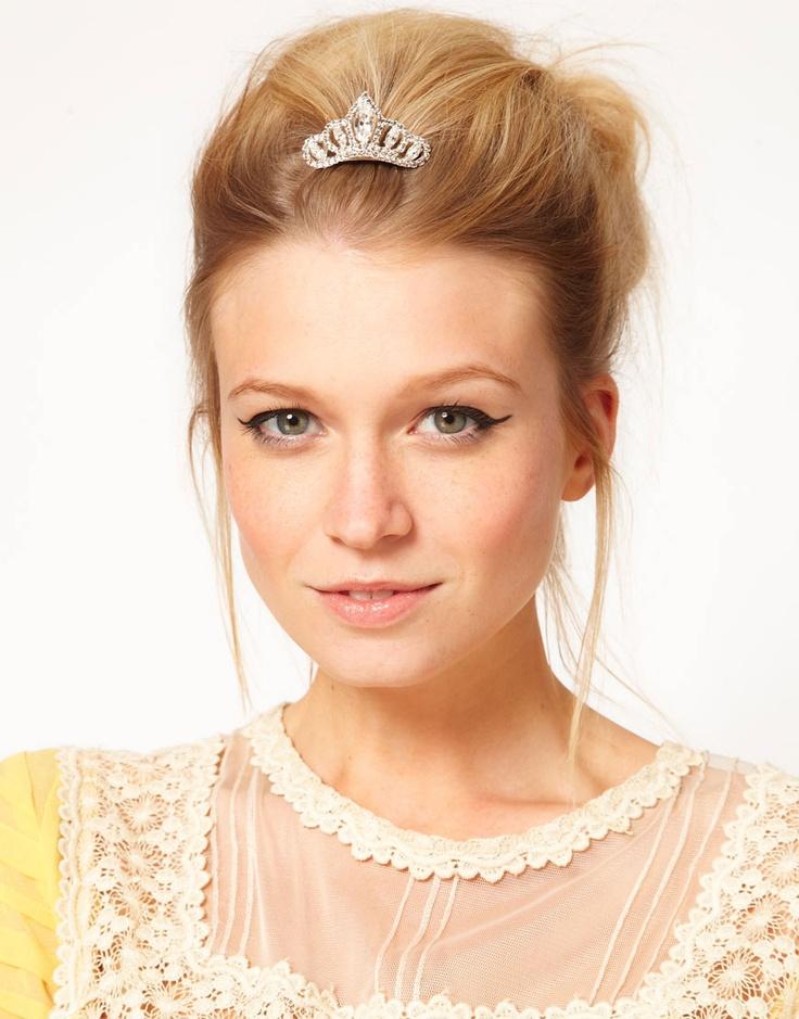 Best 25 Tiara Hair Ideas On Pinterest Wedding Bridal With Tiaras And Vine