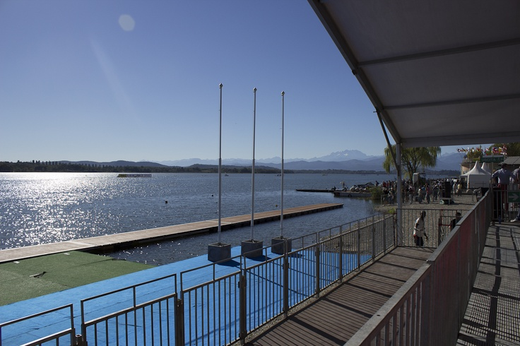 Che vista dalla Tribuna VIP e che giornata agli Europei di Canottaggio: questo è il nostro lago.