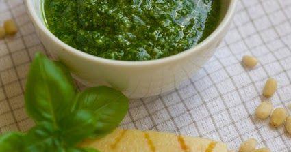 Pesto z bazylii  (pesto alla genovese) jest jednym z najpopularniejszych i najczęściej wykorzystywanych sosów. Jest bardzo proste w prz...