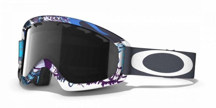 OAKLEY O2 XS Monster Mountain női síszemüveg. Snowboard szemüveg mely a kisebb méretű arcokhoz illeszkedik. A csökkentett koponya geometria kisebb fejekhez lett igazítva. Ütés és karc álló Lexan® lencse biztosítja a tökéletes látást! KATTINTS IDE!