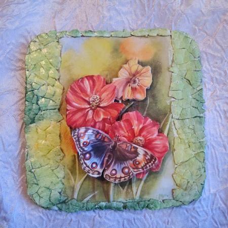 Объемный декупаж «Панно с бабочками» http://dcpg.ru/mclasses/babochki/ Click on photo to see more! Нажмите на фото чтобы увидеть больше! decoupage art craft handmade home decor DIY do it yourself tutorial