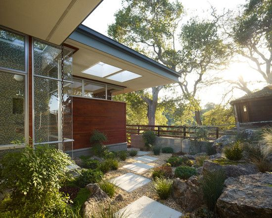 Mid Century Modern Landscaping Design  Pictures  Remodel  Decor and Ideas    page 3. 25 best images about Yards on Pinterest   House design  Front door