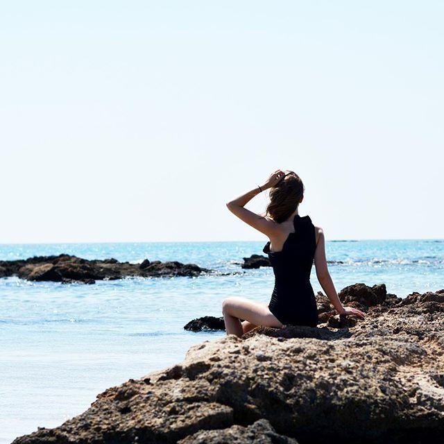 More on www.offwhiteswan.com holiday, vacation, sea, ocean, crete, greece, beachgirl, blogger, blue sky