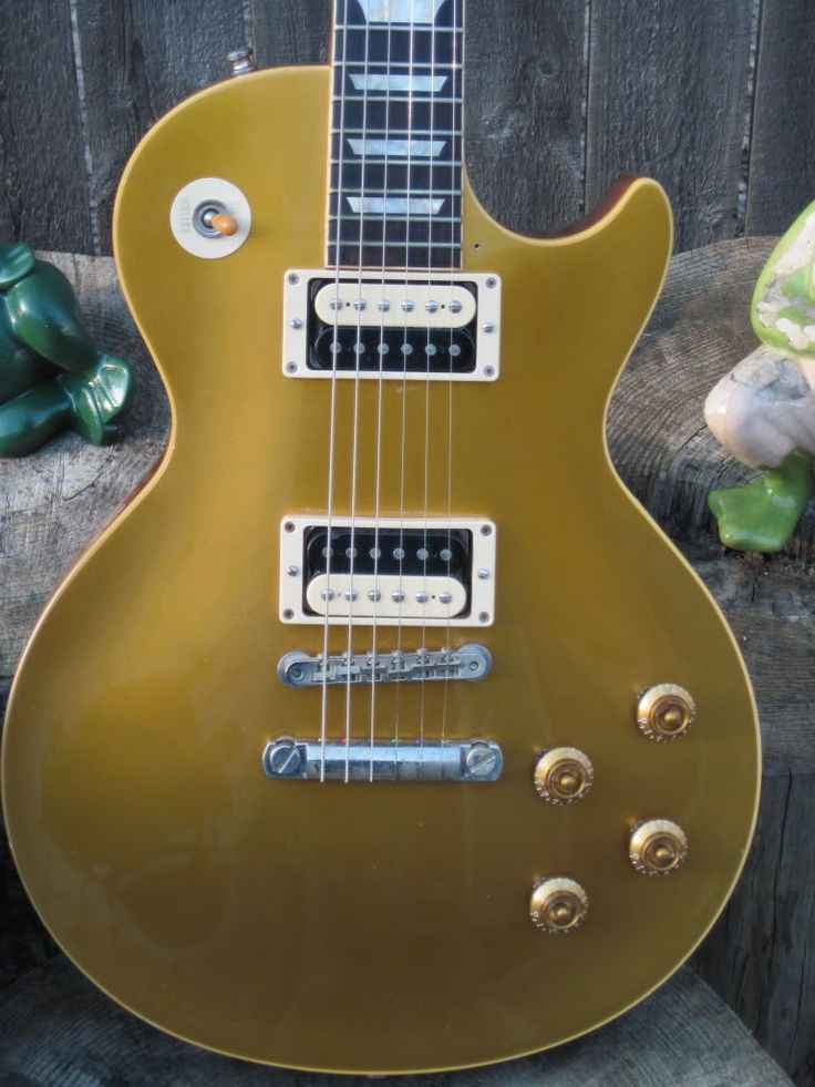 gold top les pauls with zebras gibson in 2019 les paul gibson les paul les. Black Bedroom Furniture Sets. Home Design Ideas