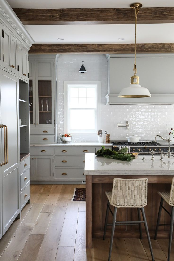 8 Great Neutral Cabinet Colors for kitchens
