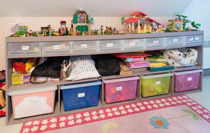 les astuces de lecteurs le rangement des jouets dans une chambre d enfants playmobil et articles. Black Bedroom Furniture Sets. Home Design Ideas