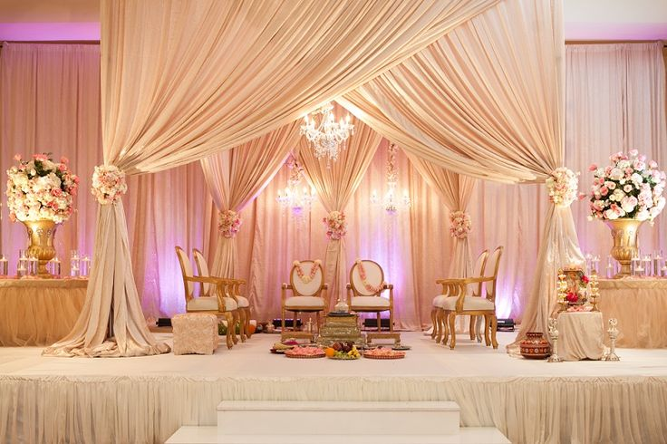 10 Awesome Indian #Wedding Stage Decoration Ideas