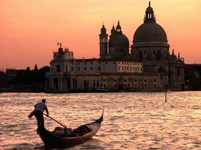 I tramonti di Venezia dal ponte di Sarah Cruise su www.degustiblog.it
