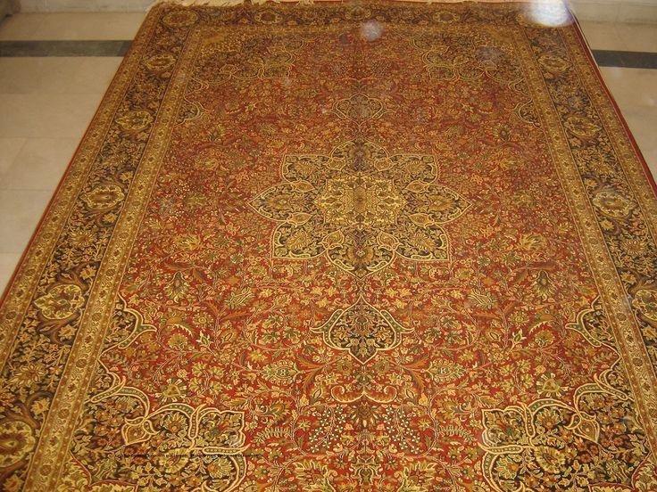 Kashmir Carpets, Kashmiri Silk Carpets, Kashmir Rugs, Cashmere Silk Carpets