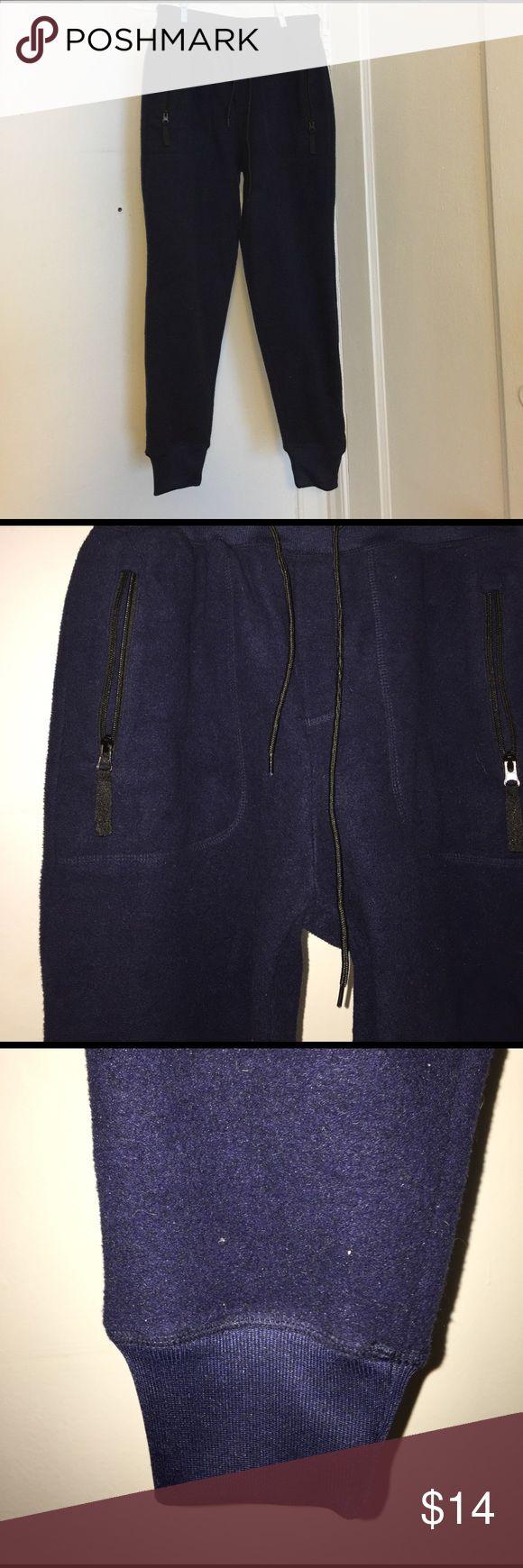 BDG Men's Navy Blue Fleece Jogger Urban Outfitters Navy Blue, Fleece Jogger, BDG from Urban Outfitters. Super soft, comfy, and warm! Barely worn! Urban Outfitters Pants Sweatpants & Joggers