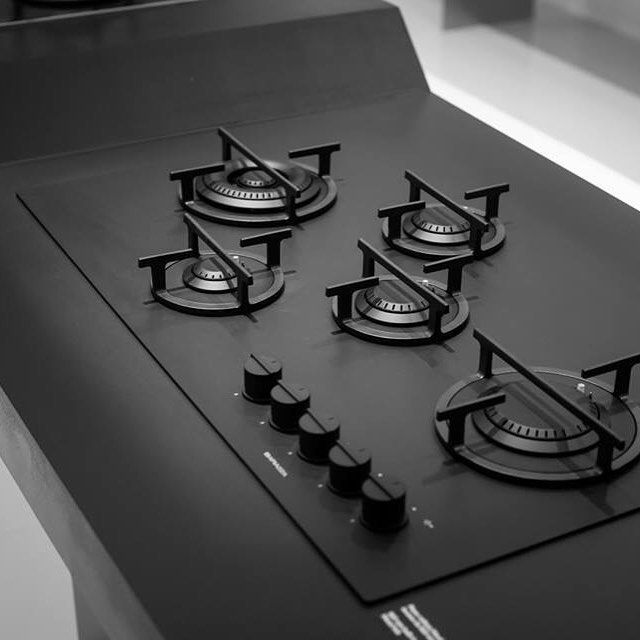 Barazza have the capability to seamlessly incorporate their own appliances into their steel worktops! #barazza #kitchen #kitchenappliances #black #worktops #cook #cooking #architects #designers #design #tasteandflavors #tasteofdesign #modern #hobs #sinks