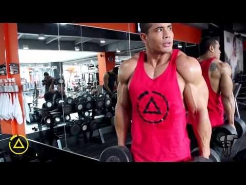 Julian Tanaka - RUTINA AISLADA DE ESPALDA (LA COBRA), de alta intensidad y aceleración metabólica. - YouTube