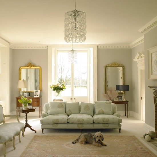 Living room with dog | Georgian restoration | Homes & Gardens house tour | PHOTO GALLERY | Housetohome.co.uk
