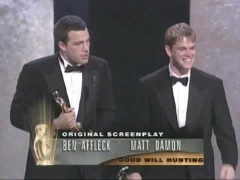 oh my gosh this was adorable hahah matt damon and ben affleck win oscar from 15 years ago. they were so excited hahaha
