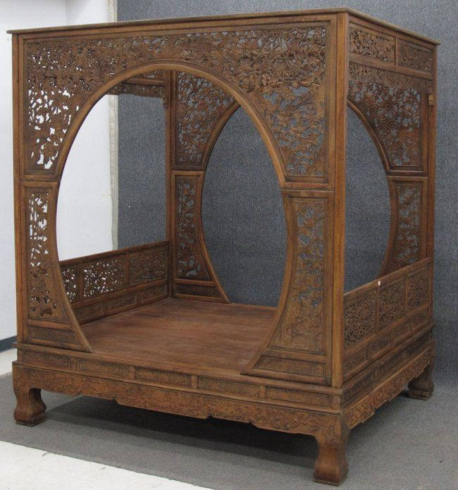 CHINESE WEDDING BEDS | CHINESE CARVED WEDDING BED : Lot 89