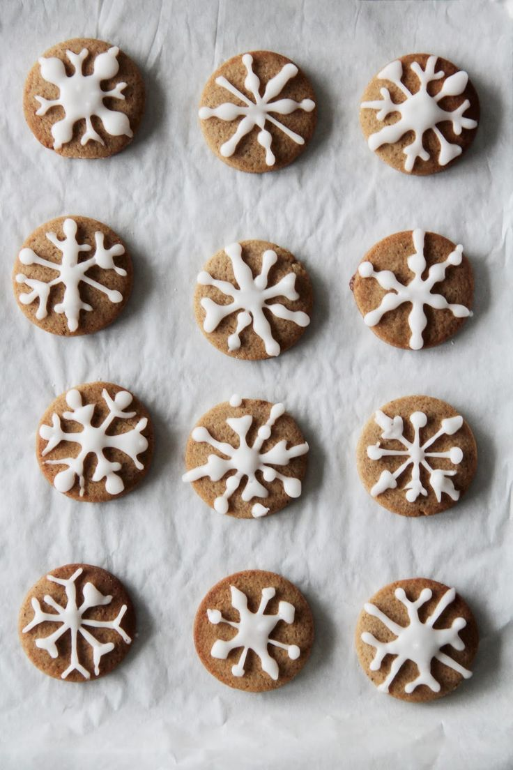 ... snowflake pepper cookies ...