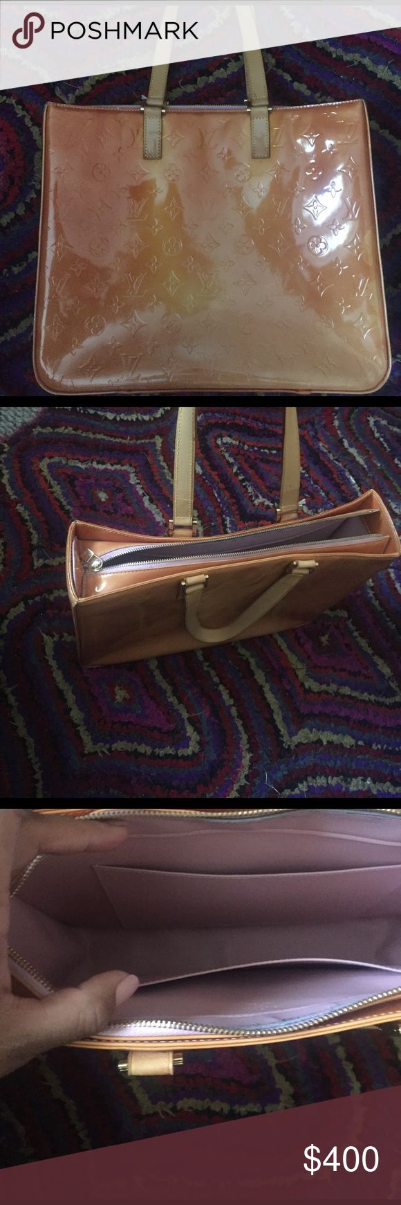 Beautiful Louis Vuitton autentic Vernis Louis Vuitton ... good condition willing to trade . I need a crossbody LV autentic Louis Vuitton Bags Totes