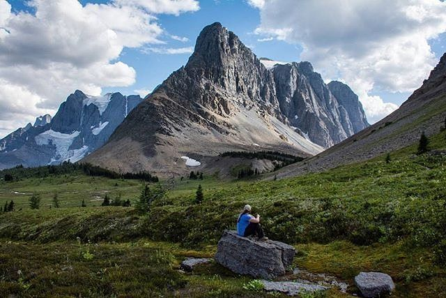 """""""I travel the world, and I'm happy to say that America is still the great melting pot – maybe a chunky stew rather than a melting pot at this point, but you know what I mean."""" – Philip Glass  More... photo by @echoes_of_nature  Location: Rockwall, Wolverine pass  #quote #inspire  #wanderlust #outdoorslife #outdoorshoot #outdoorsisfree #outdoorstyle #outdoorsession #outdoorsman #wanderlusters #exploretheworld #hikingwithfriends #hikinglife #hikingtrip #hikingday #hikingadventure…"""