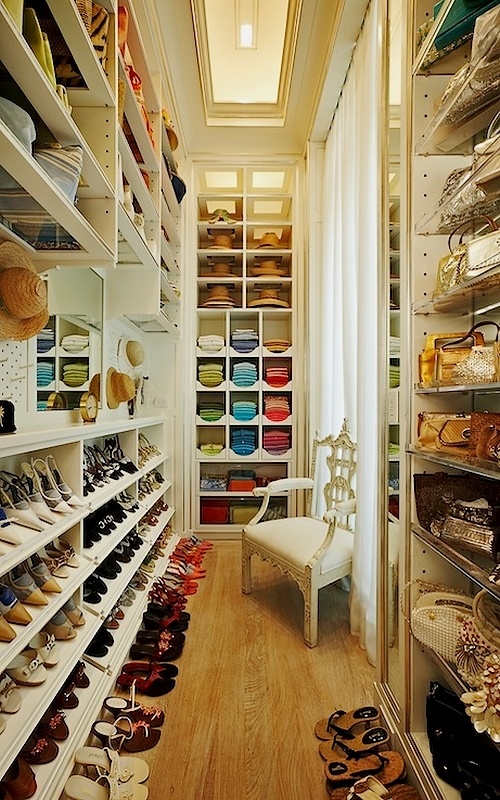 Can you say ... dream closet? Who needs a man? I just want a big closet and shoes shoes shoes :)