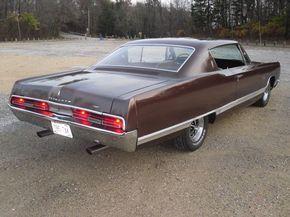 1967-Plymouth-Fury-VIP-