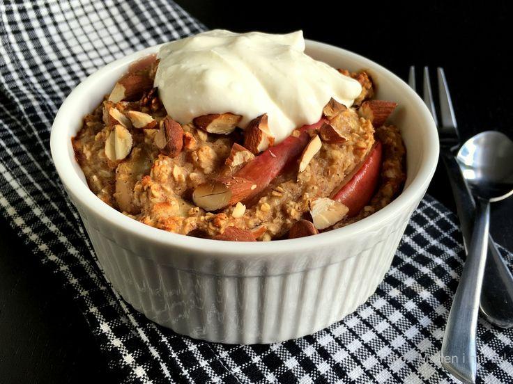 Mit bud på en super lækker morgenmadscrumble med æble og kanel. Helt uden sukker! Server med yoghurt naturel, græsk yoghurt eller skyr.
