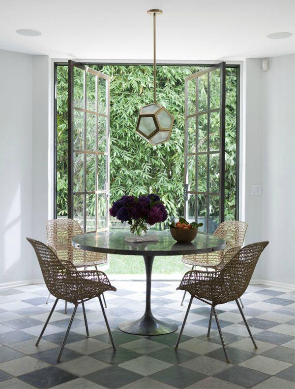 patterned floor w/ green exterior