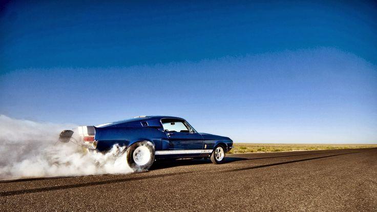 Klasik mustang mavi tükenmişlik duman araba resimleri