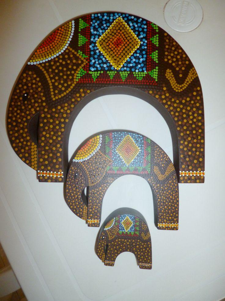 Elefantes en puntillismo...