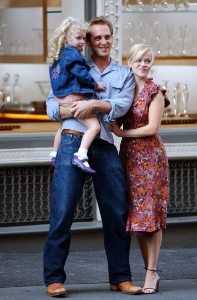 josh lucas and reese witherspoon filming sweet home