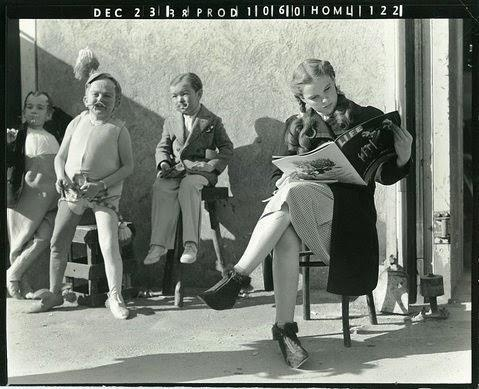 Judy Garland taking a break.