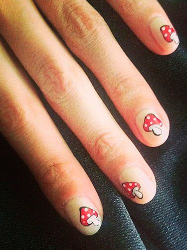 Alexa Chung toadstool nail art on twitter - cosmopolitan uk beauty