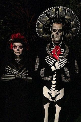 SÍ Y NO: Celebrity couples en Halloween... ¿Te disfrazarías así con tu chico?