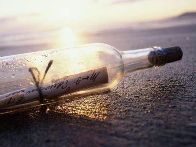 Imagem De Mensagem Na Garrafa Por Priscila Mulin Em Mar E Oceano