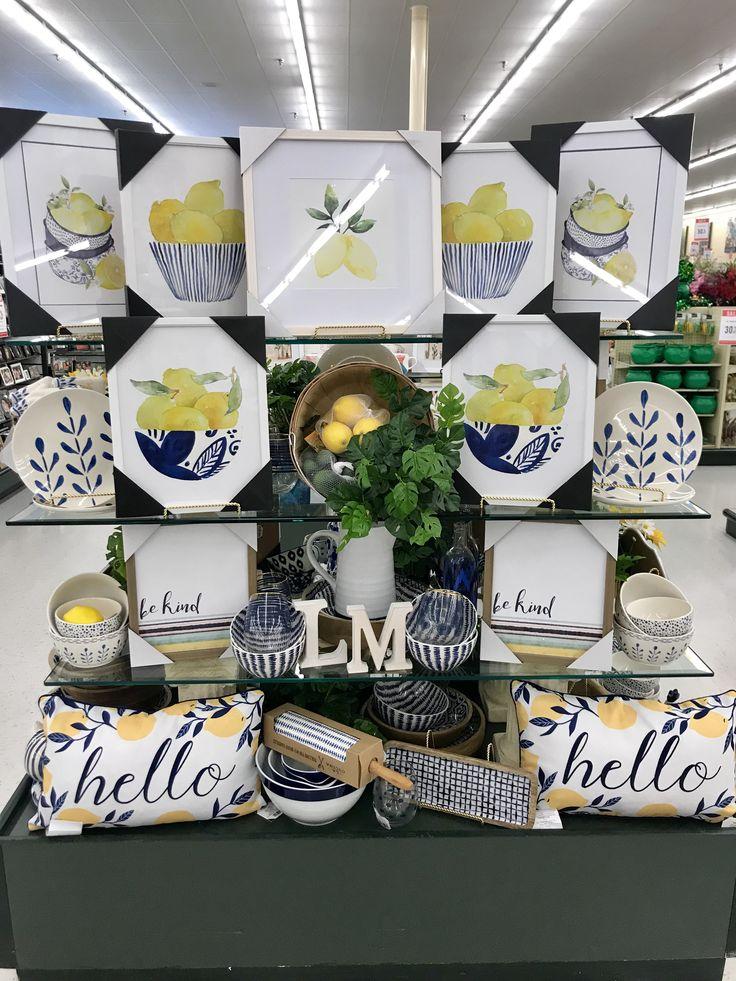 Hobby Lobby Merchandising Tisch zeigt Arbeit – Hobby lobby