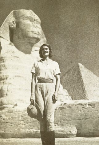 The First Woman to Drive Around the World Wore Men's Breeches and Had a Pet Monkey | Atlas Obscura