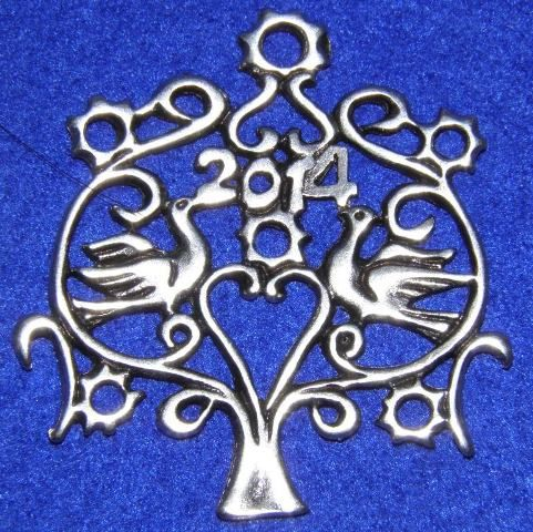 http://lucas.com.gr/el/our-shop/beads/silver-plated-beads/good-luck-tree-2014-detail.html Επαργυρο δέντρο των ευχών - Γούρι 2014