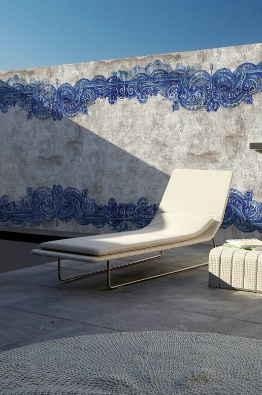 WORLD FIRST DESIGN FROM WALL & DECO: OUTDOOR WALLPAPER.