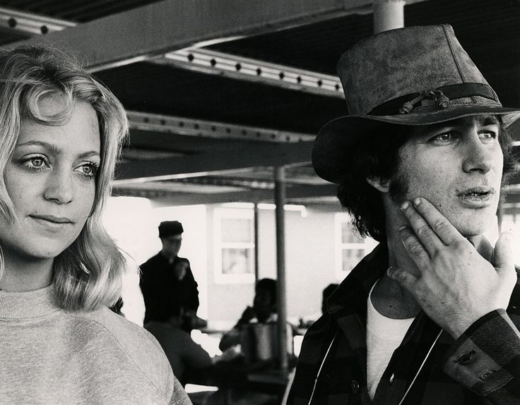 Goldie and Steven Spielberg in SUGARLAND EXPRESS.