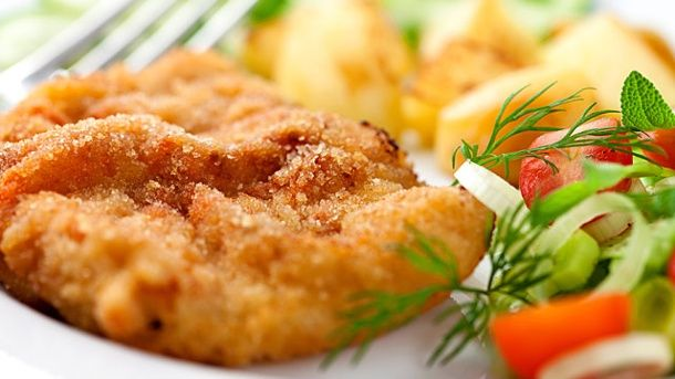 Schnitzel zubereiten (Quelle: Thinkstock by Getty-Images)