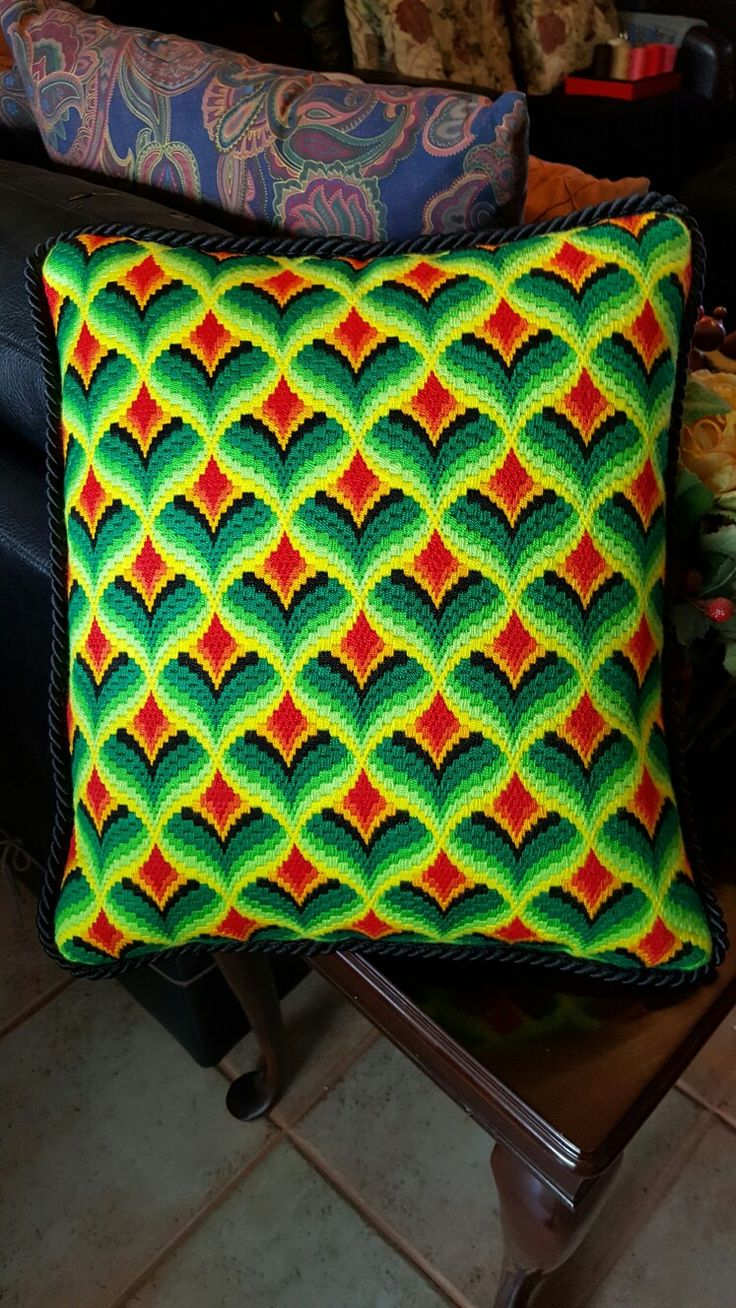 My first BARGELLO finished on a Decorative Pillow ❤