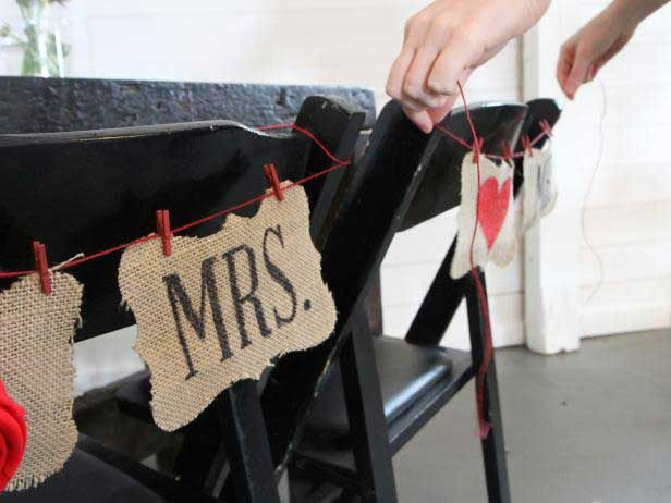 Çuval Bezi İle Sandalye Sırtları Süslemesi - http://m-visible.com/cuval-bezi-ile-sandalye-sirtlari-suslemesi.html
