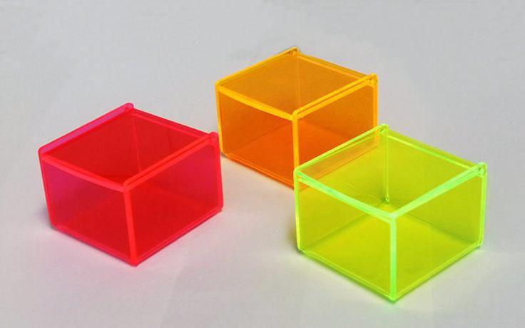 scatole plexiglass fluorescente